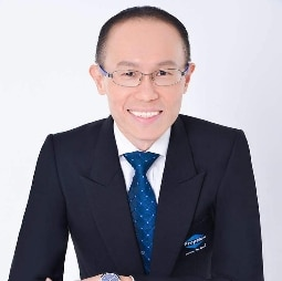 how-to-be-a-property-agent-john-cheng-photo-singapore